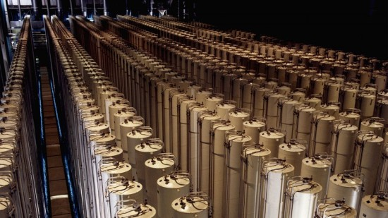Gas_centrifuge_cascade